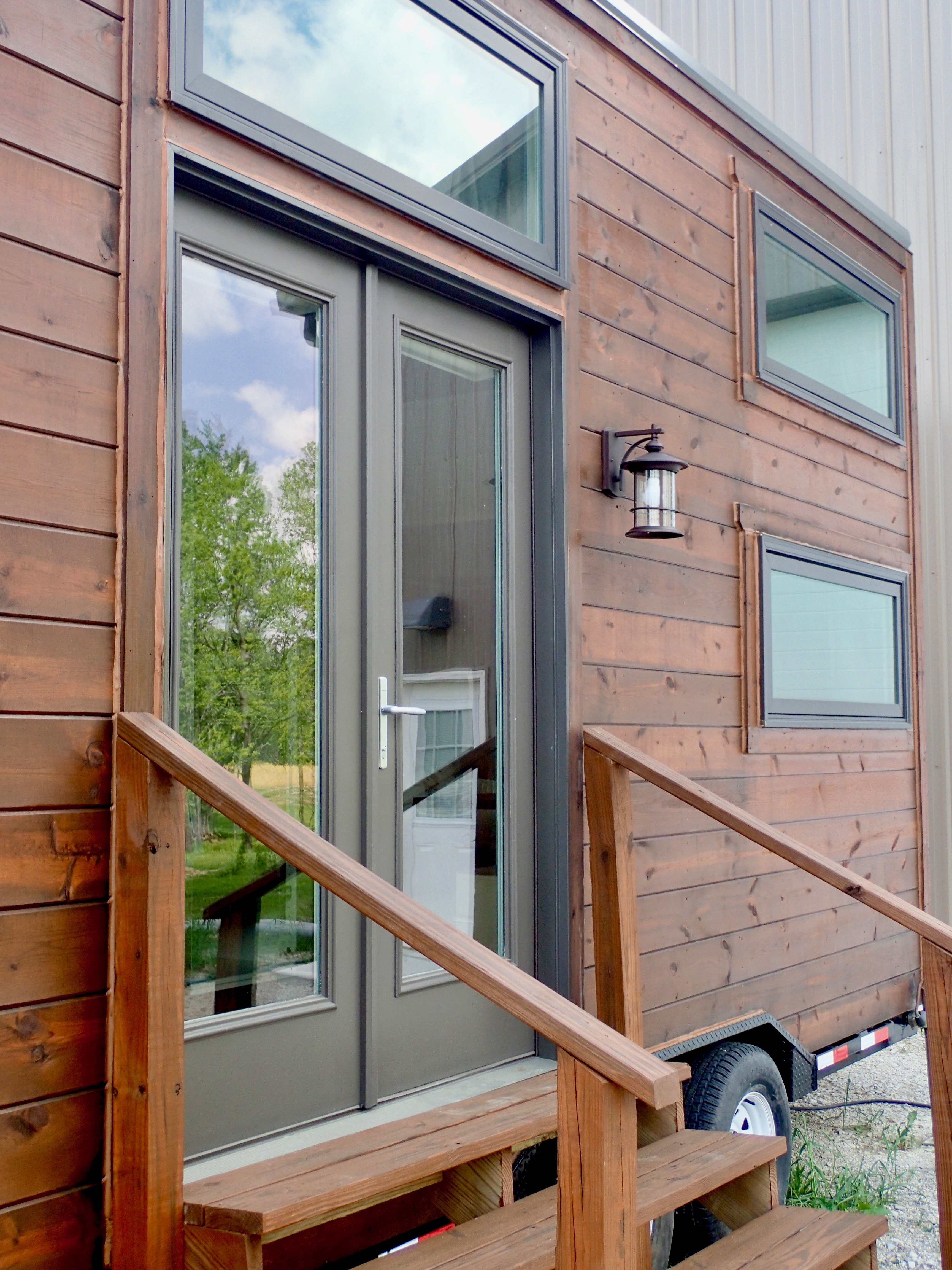 The Little Leaf Laura E Yates Consulting Building Tiny House On Flatbed Trailer And Need Brake Controller Exterior Front Door Angle
